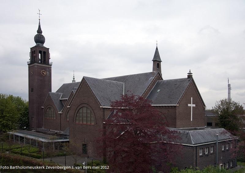 20160705 - Foto Bartholomeuskerk - Kerk Zvb jvBers mei 2012_klein