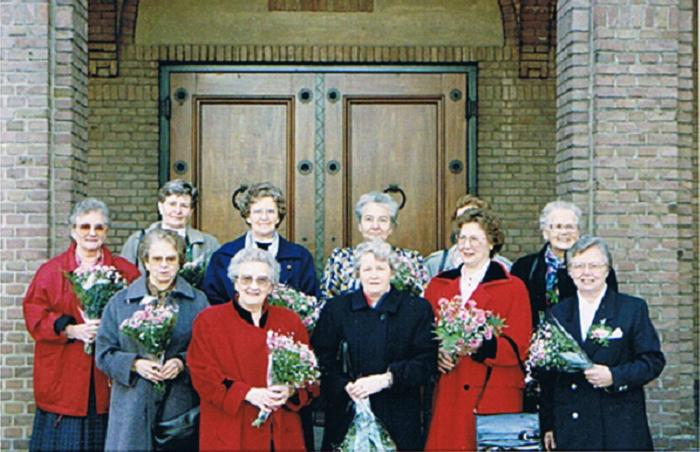 Dames van het eerste uur: 25 jaar lid van het Bartholomeuskoor